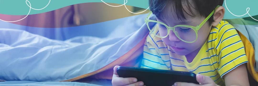 Internetês: a linguagem da internet prejudica o aprendizado das crianças?