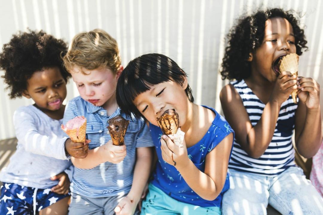 Como falar sobre racismo com as crianças: 5 atitudes que os pais devem adotar