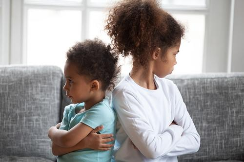 Criança sente inveja? Como ajudá-los a lidar com esse sentimento